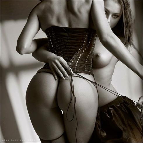 corsetii1.jpg